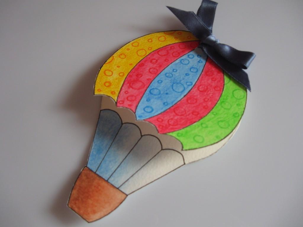 Foto mongolfiera bimbi di carta for Mongolfiera da colorare