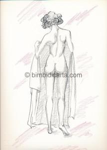 Nudo di donna di spalle